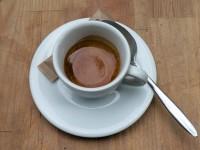 """Espresso """"Spring Blend"""" von Lomi im KB Caféshop, Paris"""